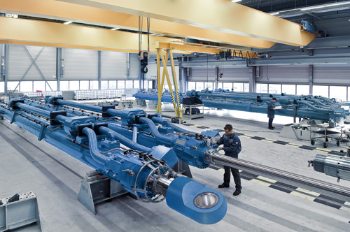 Bosch Rexroth builds large hydraulic cylinders with bores to 1.5 m and strokes to 24 m.